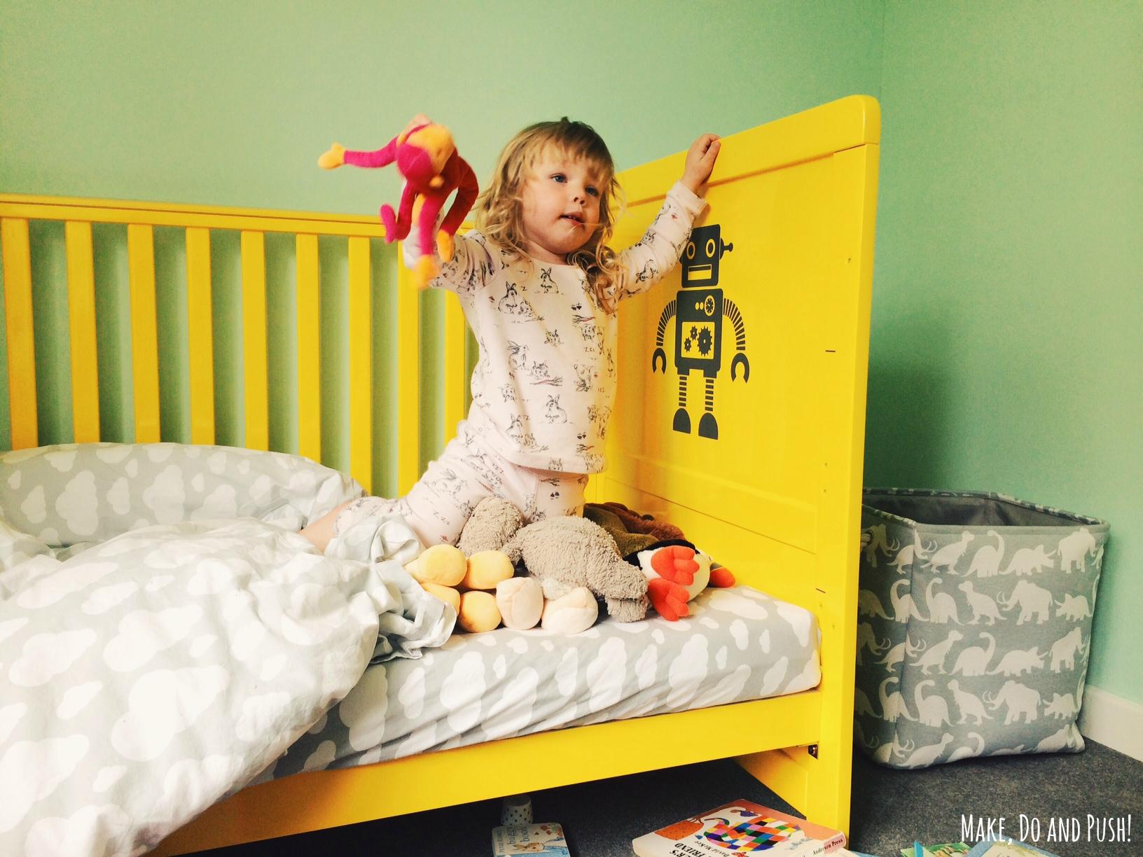 фото кровати-трансформера Cosatto Story